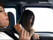Azjatki robią to w samochodzie